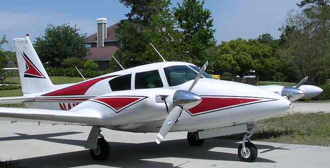 Piper Comanche available for Timebuilding